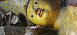 Schlafender Buddha in der Höhle 1 von Dambulla