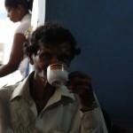 Zum Frühstück kann es auch Kaffe in Sri Lanka geben