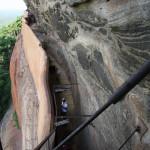 Die steilen Stufen zum Aufstieg auf Sigiriya