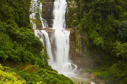 Wunderschöne Wasserfälle kann man beim Trekking in Sri Lanka entdecken